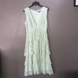 NWT Gianni bini midi lace dress size 6